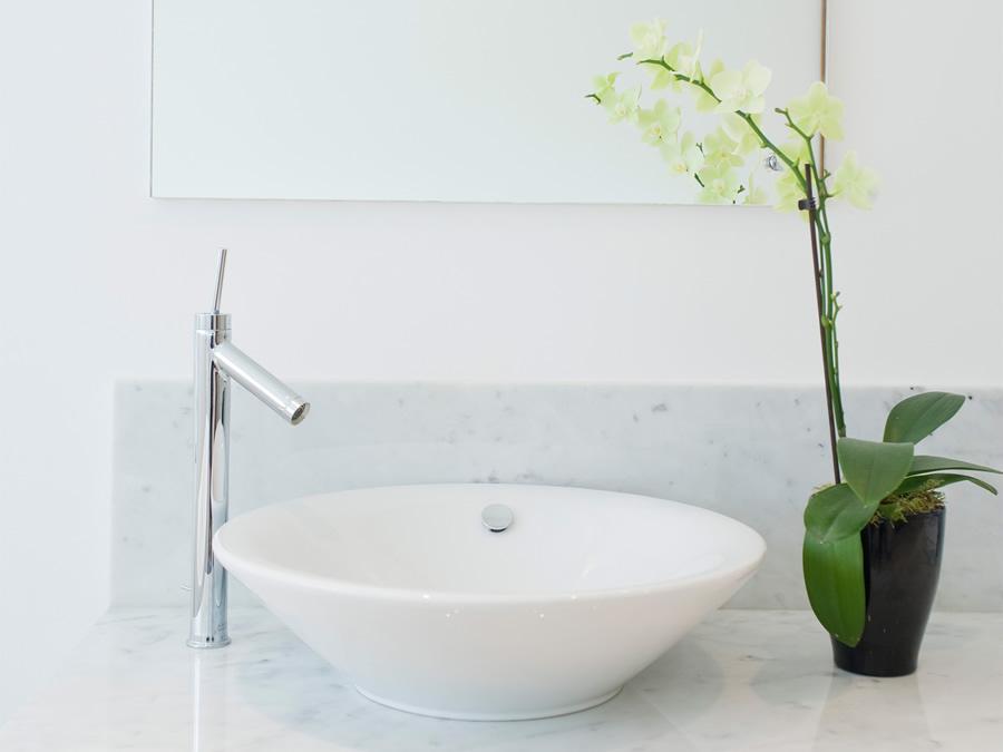 Tip 14 Clean The Bathroom Sink