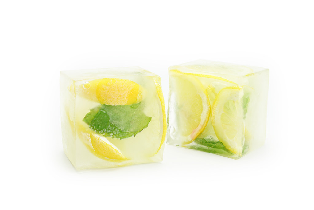 Tip 24 Lemon Ice Cubes